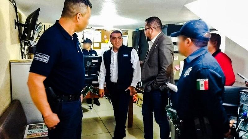 Durante el encuentro, que se llevó a cabo en las instalaciones de la alcaldía de este municipio, Gómez Arrieta señaló que se continúa trabajando en la capacitación de los elementos policiacos