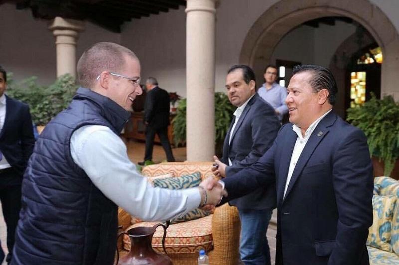 """""""Es cierto que en el pasado tuvimos diferencias, pero es más grande el compromiso que tenemos por México. La gente necesita un gobierno comprometido con ellos y con el bienestar de sus familias"""", abundó García Avilés"""