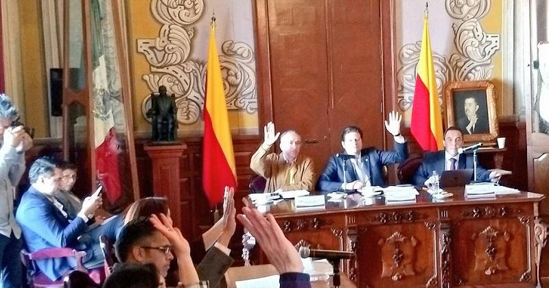 El alcalde Alfonso Martínez ofreció instalar mesas de trabajo para resolver el conflicto