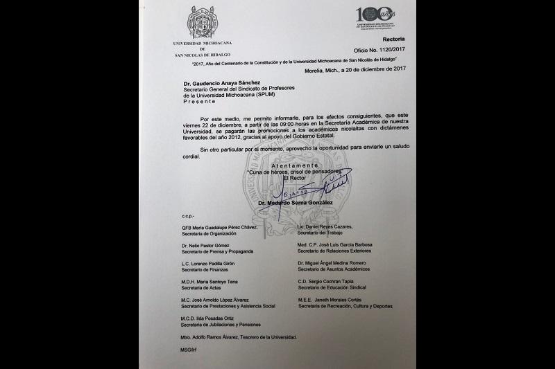 Serna González hizo el anuncio correspondiente al secretario general del Sindicato de Profesores de la Universidad Michoacana, Gaudencio Anaya