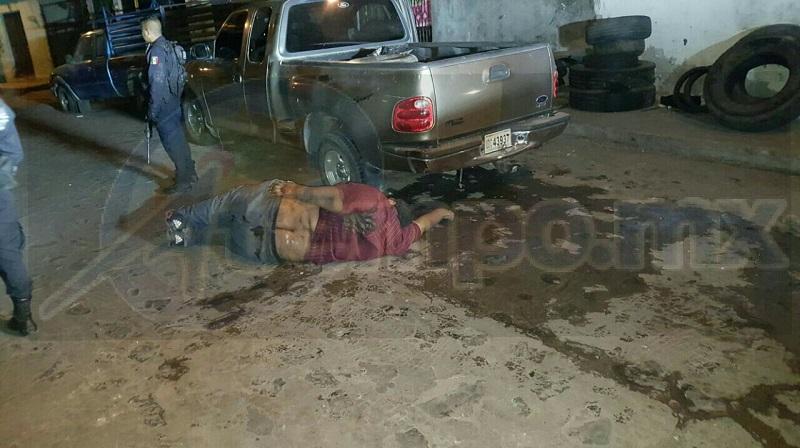 Aproximadamente a las 02:00 de la madrugada reportaron al número de emergencias que sobre la calle Melchor Ocampo esquina Miguel Hidalgo se habían escuchado detonaciones de arma de fuego