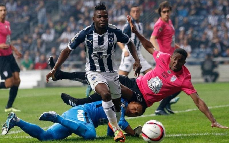 El segundo tiempo mejoró en cuanto a espectáculo y tan fue así, que al minuto 57 los Rayados de Monterrey se pusieron al frente en el marcador por conducto del goleador Avilés Hurtado