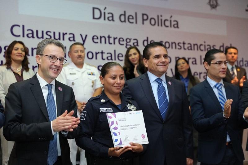 Defender y proteger los derechos de nuestras y nuestros policías: Silvano Aureoles