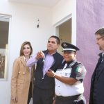 Entrega Silvano Aureoles más viviendas a policías y transportistas