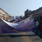 La movilización comenzó en la Plaza Morelos, con una escala frente al Palacio Legislativo, y concluyó frente a Palacio de Gobierno