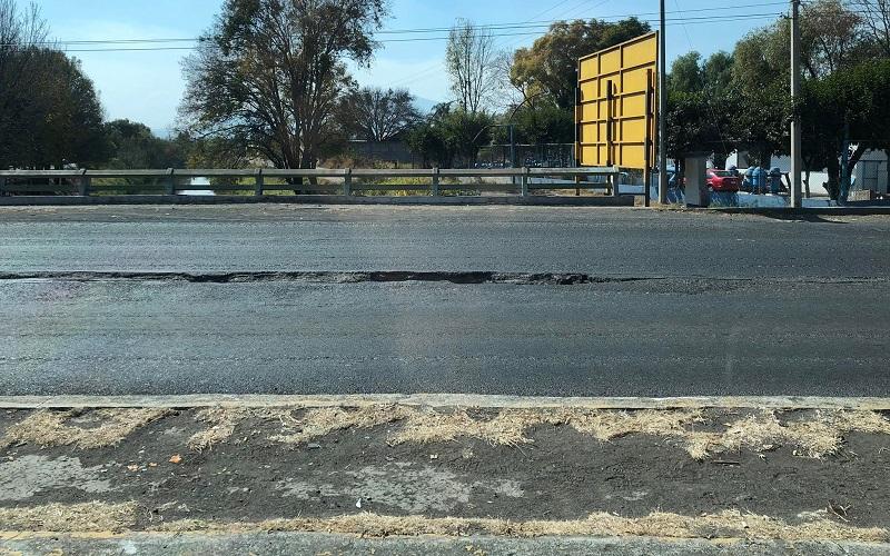 Urge que se atienda el problema por parte de la Junta de Caminos del Gobierno de Michoacán (FOTO: KARLOS QUESADA)