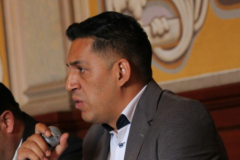 """""""Al día de hoy, quienes ocupan cargos públicos y registraron la intención de participar en la contienda no se han separado de su cargo, motivo por el cual se pone en la mesa la propuesta para la inminente creación de la comisión mencionada"""", citó Ruiz Ramírez"""