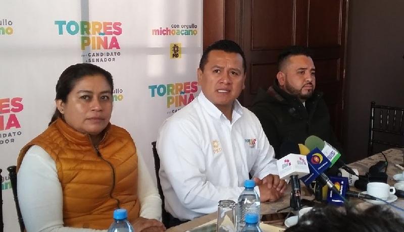 Para Carlos Torres Piña, lo ideal sería que hubiera una elección abierta, organizada por el INE, para elegir candidatos del Frente al Senado, sin embargo, advirtió que el método definido es la designación por parte del Consejo Nacional del PRD