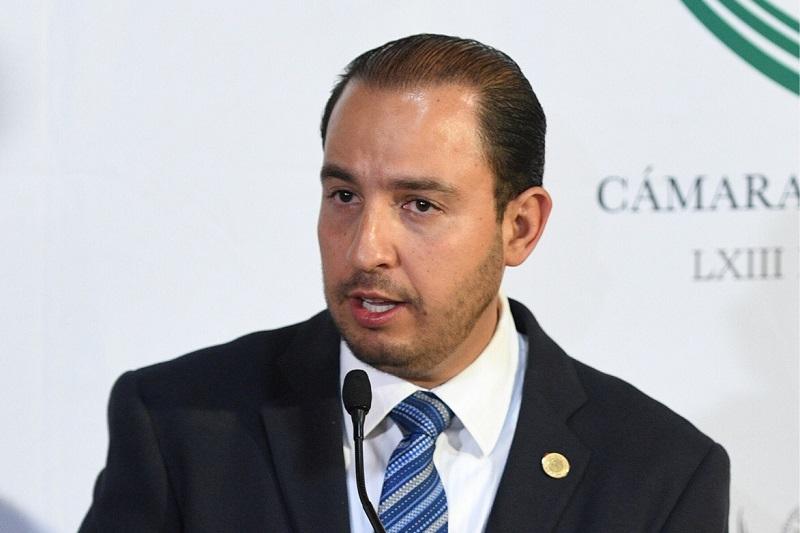 Cortés Mendoza advirtió que los diputados del PAN han sido insistentes en sus encuentros con los funcionarios de la SHCP, antes y durante la gestión de José Antonio Meade, para saber a quién o a quiénes investigó la autoridad hacendaria cuando presumían la existencia de recursos de procedencia ilícita