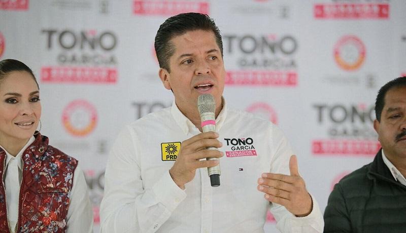 En distintas reuniones se congregaron miles de perredistas, asegura García Conejo
