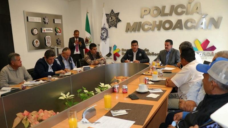 En la primera mesa de trabajo de este año, el titular de la SSP, Juan Bernardo Corona, se reunió con representantes de instancias ambientales para delinear las nuevas labores en la materia