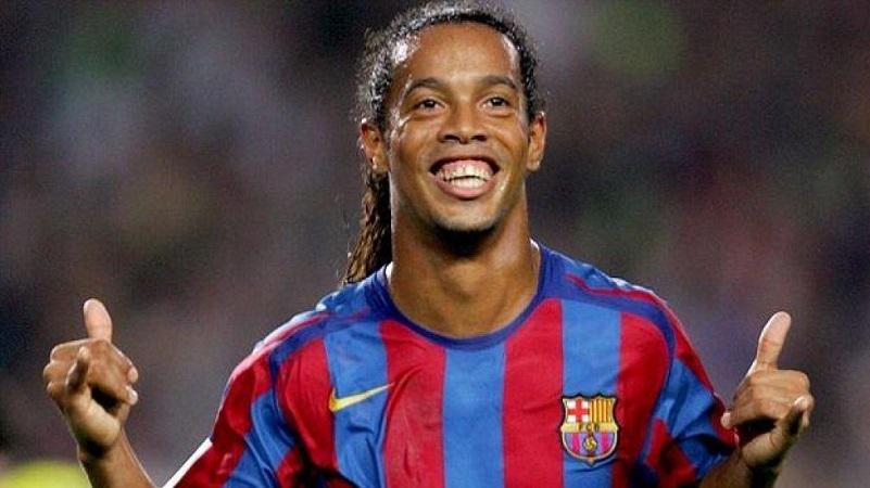 Durante su carrera, el oriundo de Porto Alegre conquistó una Copa del Mundo, una Copa América, dos Ligas Españolas, una Serie A de Italia, una Champions League, una Copa Libertadores, dos Supercopas de España, entre otros galardones