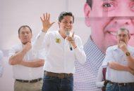 Fue durante una gira emprendida por los municipios de Coalcomán y Múgica, que el hoy diputado local resaltó la urgencia de que los senadores que representan a Michoacán operen con mayor responsabilidad cuando se busque el mejoramiento social de la entidad
