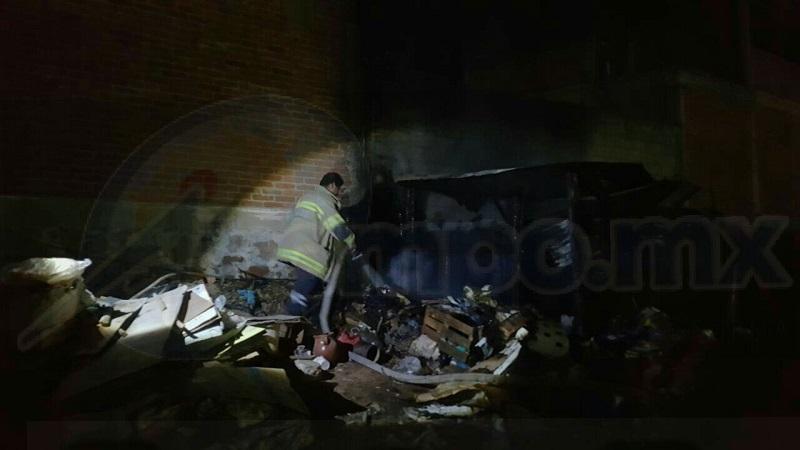 El incidente ocurrió minutos antes de las 05:00 de la madrugada cuando vecinos reportaron a la línea de emergencias que en las inmediaciones de la colonia Lomas de Oriente se estaba quemando una vivienda