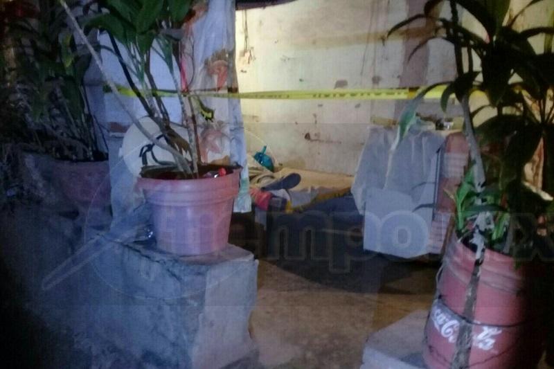 """Al lugar acudieron paramédicos así como agentes de la Policía Michoacán los cuales al ingresar confirmaron que la persona estaba sin vida, siendo identificada como Francisco """"X"""" de aproximadamente 65 años de edad"""