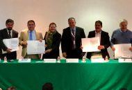 El acuerdo fue signado por los rectores de estas instituciones, José Hernández Arreola, de la UTM; Heriberto Lugo Contreras, de la UTOM; Víctor Manuel Bravo Lara, de la UPU; y Francisco Hernández Rivera, de la UPLC