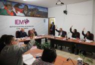 Durante la sesión el Consejero Presidente del IEM, Ramón Hernández Reyes, explicó los detalles del diseño de los proyectos de acuerdos, cuyo objetivo principal fue el de garantizar el derecho de los partidos políticos de presentar este tipo de candidaturas
