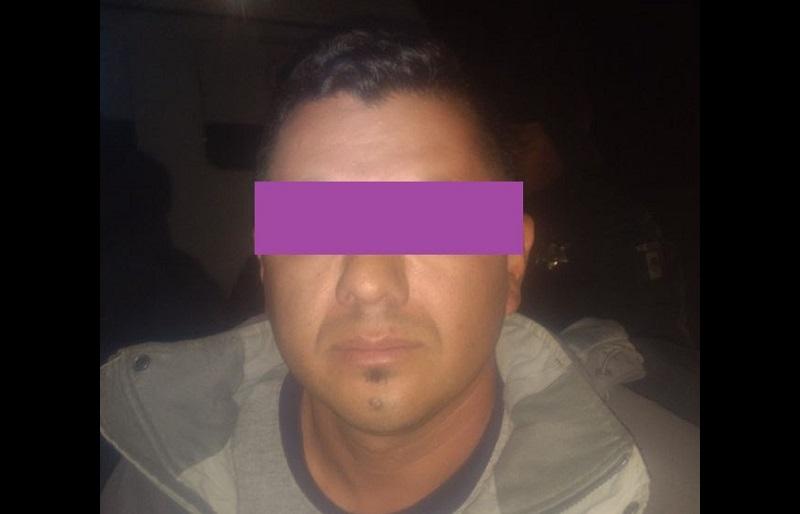 Al efectuar la revisión correspondiente al conductor identificado como José L., los uniformados de la Policía de Morelia encontraron que éste tenía entre sus pertenencias un arma de fuego marca Browning calibre 32
