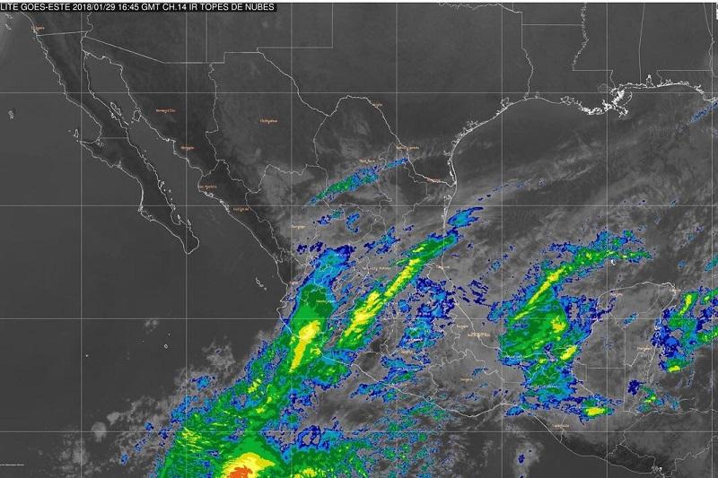 Durante el día, prevalecerá el cielo nublado y se presentarán lluvias dispersas, asimismo, vientos con dirección variable de 20 a 30 km/h con rachas superiores a 50 km/hora