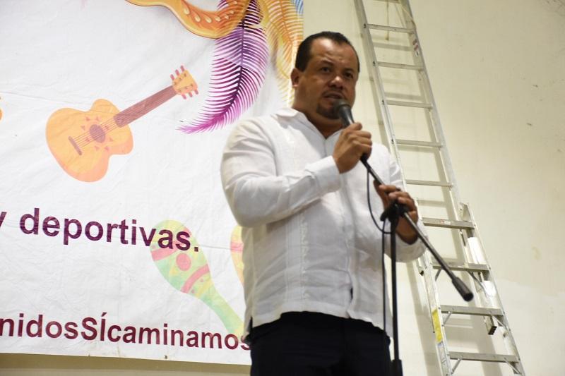 Así lo señaló Juan Figueroa Gómez, diputado local al explicar los motivos que originaron la celebración del evento donde destacó el concurso de Baile de Tabla que levantó el ánimo y congregó a una cantidad importante de pobladores