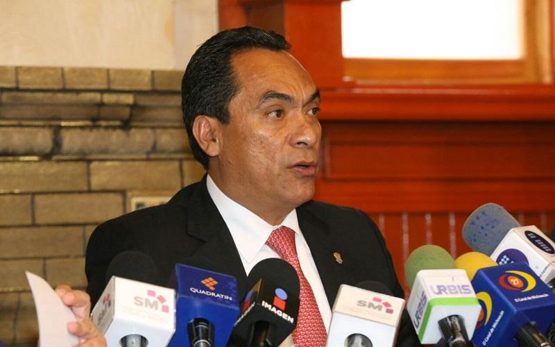 López Solís, en compañía de titulares de la SEE, SFA y CGCS hizo un llamado al magisterio para encontrar soluciones a sus demandas por la vía del diálogo