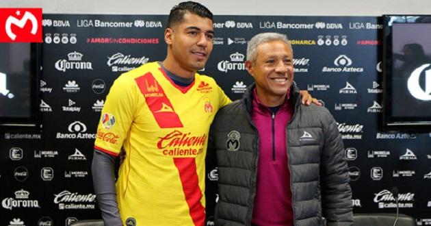 En la página del club, mencionó que el técnico Roberto Hernández, fue el encargado de darle la bienvenida al delantero colombiano