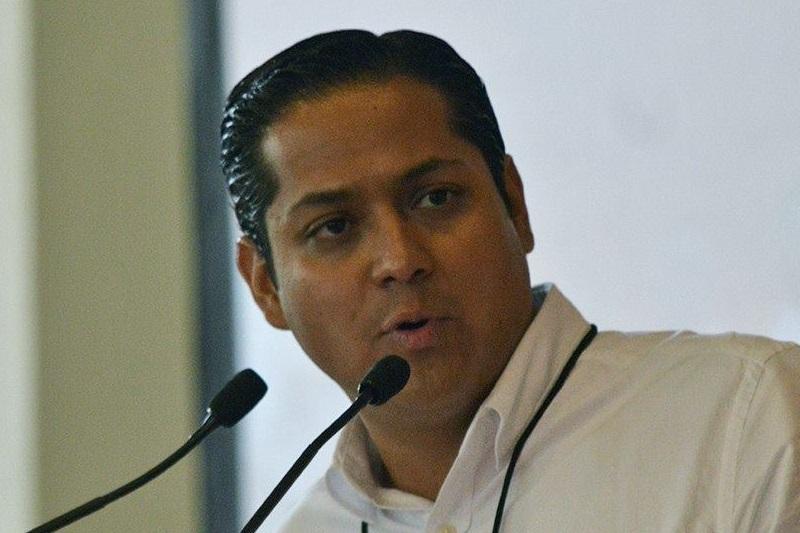 Moncada Sánchez comparó el regalo y herencia de candidaturas con la época más rancia del PRI