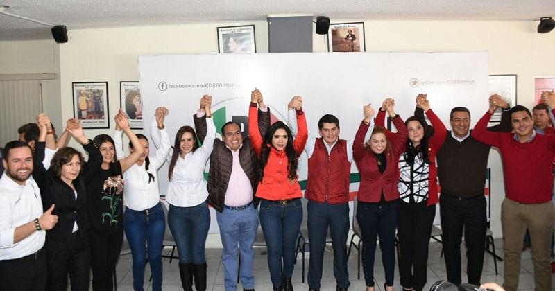 Juan Antonio Ixtláhuac Orihuela y Xóchitl Gabriela Ruiz González, para ser candidatos por el PRI al Senado de la República