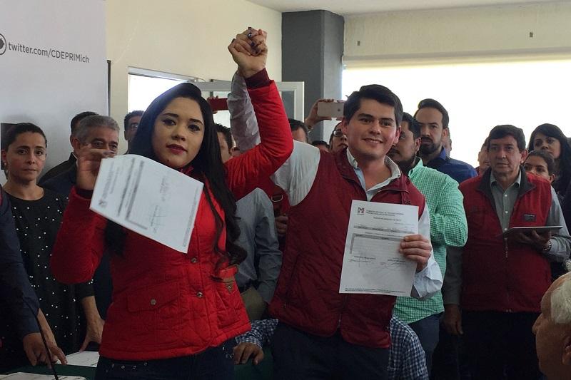 """""""Vamos a ganar el Senado con una campaña de victoria para los priístas"""": Antonio Ixtláhuac"""