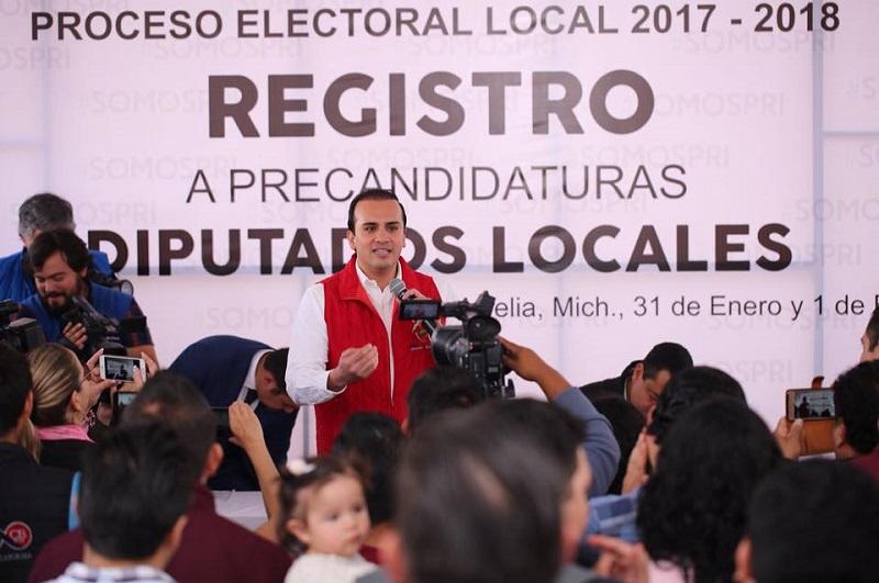 Martínez Morales adelantó que de llegar al Congreso del Estado pondrá en práctica tanto lo aprendido como estudiante como los valores que lo convirtieron en la persona que es hoy
