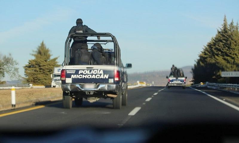 También, los agentes policiales aseguraron 98 armas de fuego, 3 mil 71 cartuchos y 105 cargadores de distintos calibres