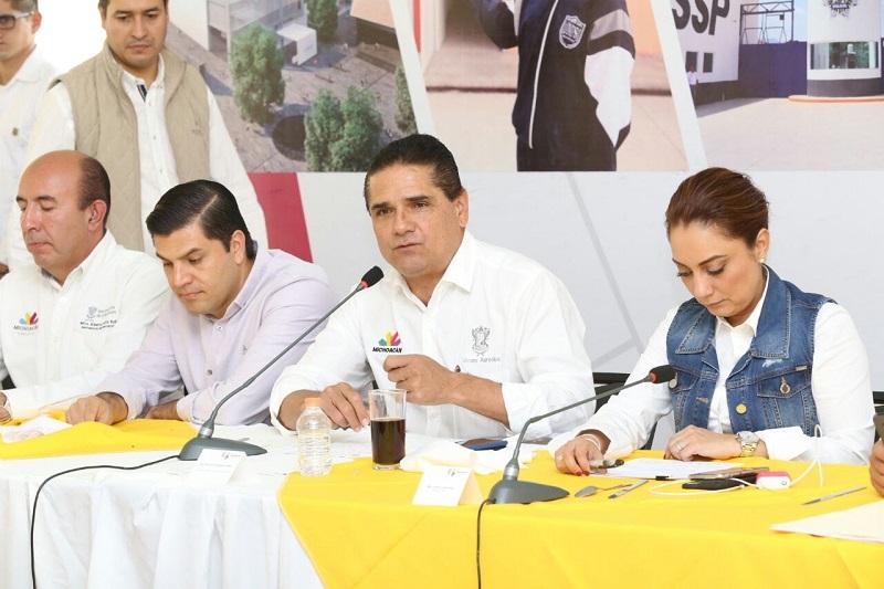 Aureoles Conejo conminó a los comunicadores a ser partícipes del cambio de percepción que se requiere para consolidar el bienestar y la paz que demanda la población