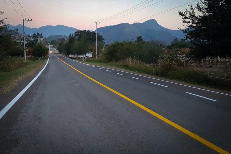 En materia de proyectos ejecutivos, 26 corresponden a 163.10 kilómetros de caminos y nueve a puentes de longitudes variables, los cuales cuentan con los elementos necesarios para gestionar y lograr recursos de los tres niveles de gobierno