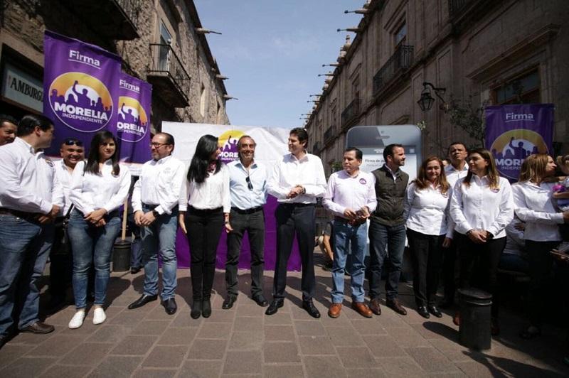 Según Martínez Alcázar, los aspirantes a candidatos independientes a diputados locales Félix Madrigal, Yankel Benítez, José Luis Gil y Clovis Remusat, por los distritos 10, 11, 16 y 17 también alcanzaron la meta