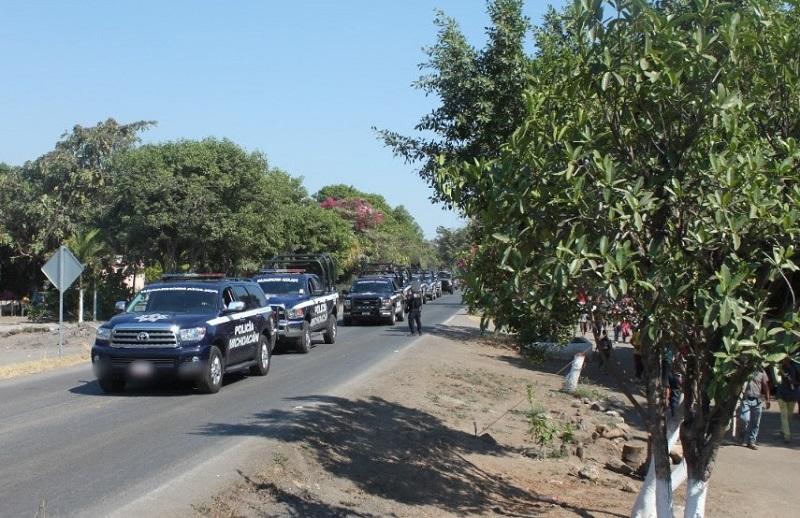 Para garantizar la seguridad de habitantes y vecinos del lugar, los elementos policiales realizan patrullajes en zonas urbanas y rurales, así como recorridos pie tierra en brechas y caminos