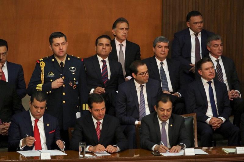 Sobre el tema, el mandatario michoacano destacó que las instituciones del país han protegido y garantizado la evolución democrática de México