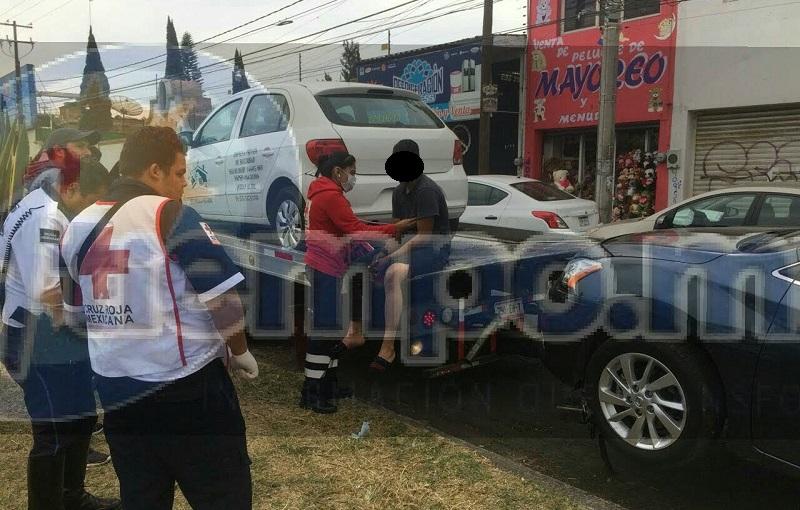 Personas que se percataron del incidente solicitaron apoyo a los servicios de emergencia, arribando elementos de la Policía Michoacán, así como paramédicos de la Cruz Roja, quienes atendieron al trabajador