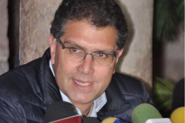 Armando Ríos Piter recordó que la semana pasada por vía twitter convocó a un diálogo, con la posibilidad de encontrar un espacio para tener una plataforma común con otras figuras independientes