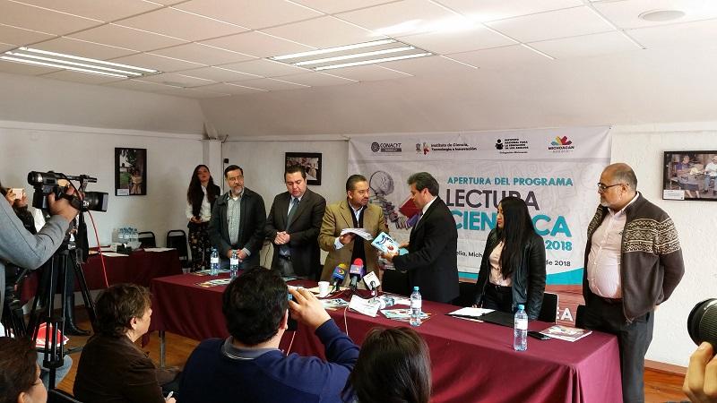 Montañez Espinosa reconoció que los educandos, asesoras, asesores, formadoras y formadores del INEA se han mostrado entusiastas por asistir a los talleres y producir textos, los cuales han sido de los más destacados del programa