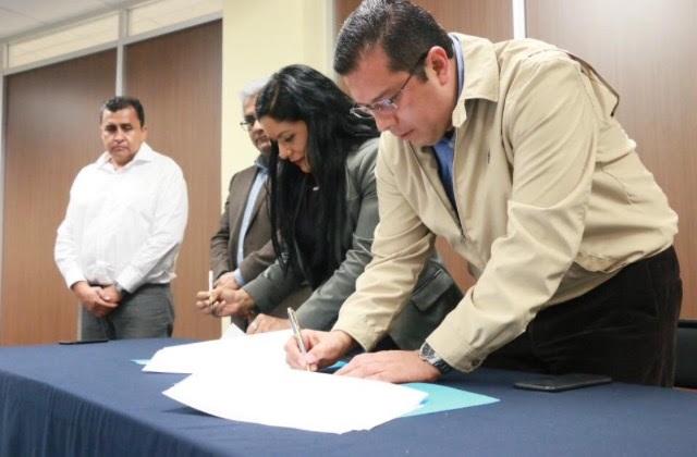 """""""Hoy, Michoacán le apuesta a la educación para transformar nuestro entorno con mayor desarrollo económico y mejores oportunidades para la juventud"""", recalcó Barragán Vélez"""