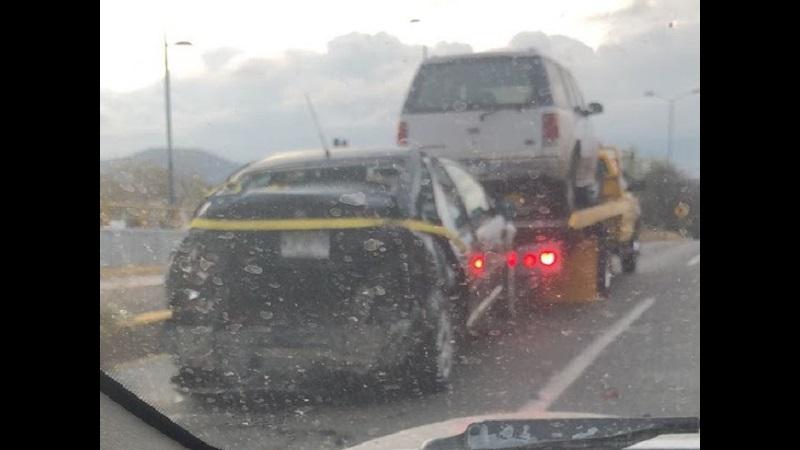 Al lugar arribaron los cuerpos de emergencia para realizar las diligencias correspondientes, pero por casi una hora prácticamente se paralizó el tránsito vehicular desde la Salida a Salamanca hasta la Salida a Charo