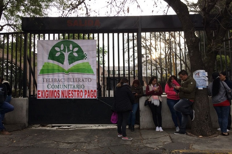 Hasta el momento los manifestantes no obstaculizan el tránsito vehicular sobre la Calzada Ventura Puente, pero aseguran que están a la espera de más compañeros