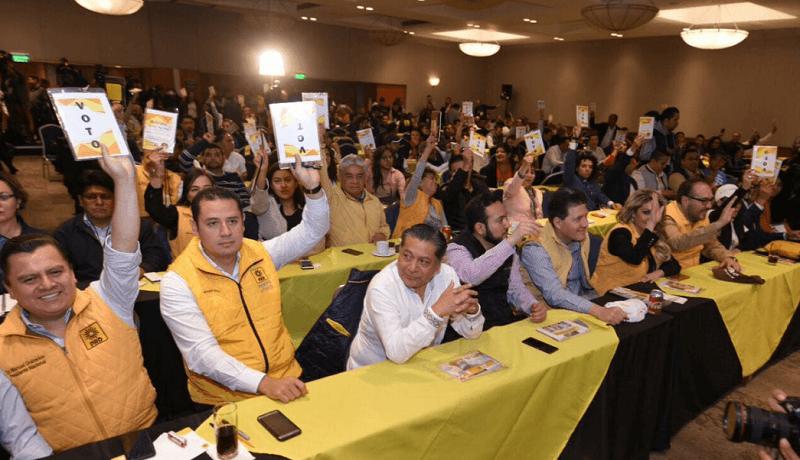 El Comité Ejecutivo Nacional solicitó un receso luego de ser instalado el Consejo Nacional en un hotel de la Ciudad de México, hasta lograr un acuerdo con las distintas expresiones del partido para la designación de los diputados y senadores