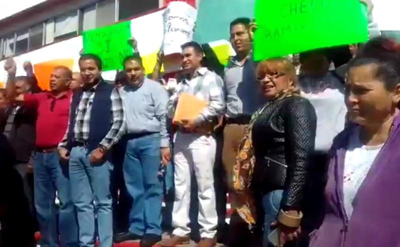 Varios de los grupos de manifestantes fueron atendidos por el secretario de Organización del Comité Directivo Estatal del PRI, Antonio Guzmán Castañeda