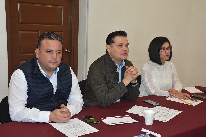 Al respecto, el diputado Héctor Gómez, señaló que los integrantes de la comisión que preside realizaron un análisis integral del informe anual que guarda la administración Pública del Estado, en los términos en que fue presentado por el titular del Poder Ejecutivo