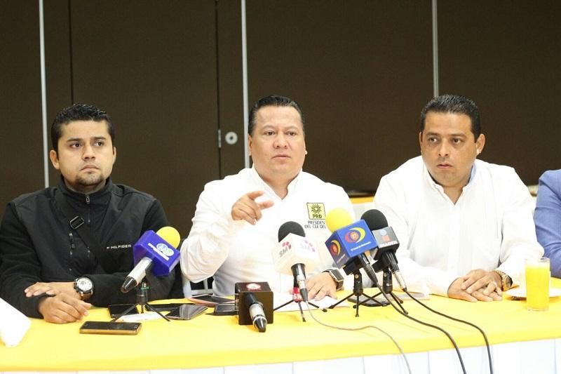 """""""Nosotros vamos a caminar con el PAN o sin ellos en Uruapan, solo que se toparían con un candidato muy fuerte"""", amagó García Avilés"""
