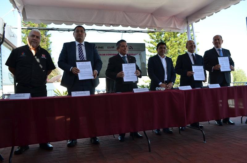 Para finalizar, el Consejero Presidente del INE en Michoacán, señaló que el acuerdo signado generará aportación de información validada para que la ciudadanía no se confunda con la información falsa que circula entre los medios