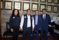 El coordinador de Fiscalías Regionales, Marco Aurelio Nava Cervantes, entregó a Cambrón Castellanos el nombramiento signado por el gobernador del Silvano Aureoles