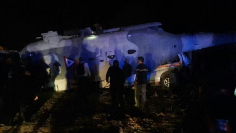 Preliminarmente, hasta el momento, se reportan dos muertos que se encontraban en tierra al momento del accidente, así como varios heridos