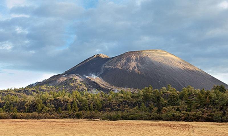 El programa inicia el lunes 19 de febrero con la inauguración del evento y de una exposición fotográfica del Volcán Paricutín; desde las 10:00 a las 18:00 horas se impartirán conferencias